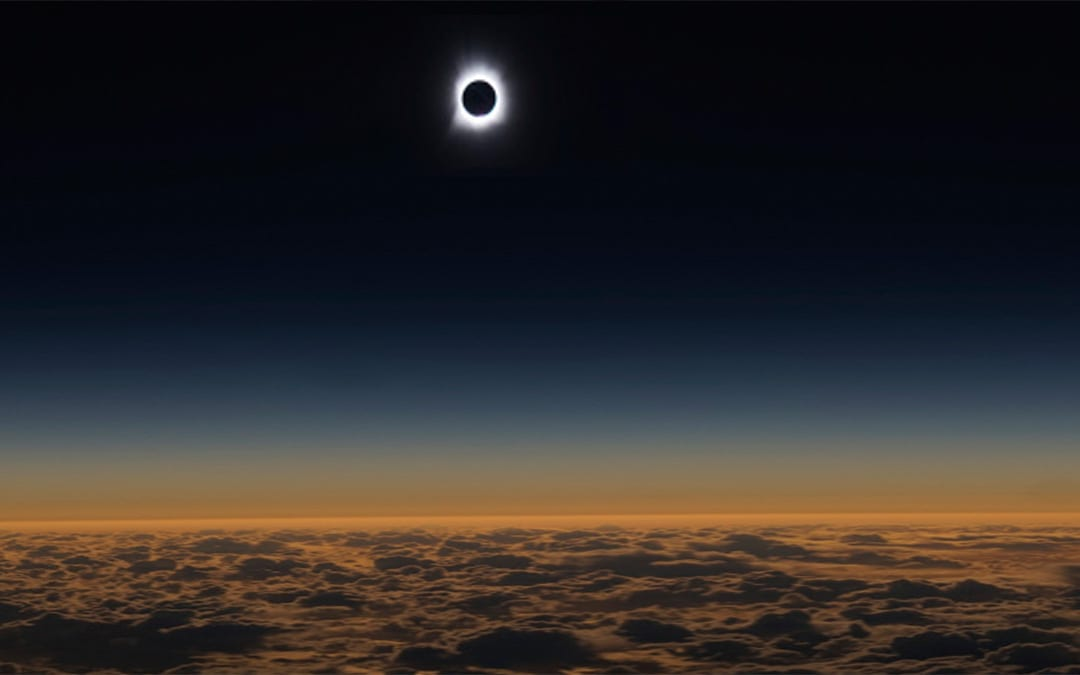 Catch Me If You Can: How Alaska Airlines Flight 870 Intercepted A Total Eclipse Over The Pacific